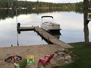 BEAUTIFUL Lakefront Cottage W/ Pontoon on Harper Lake- Completely Updated!