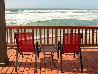 SeaBreeze: Ocean Front View!, Beach Supplies, Updated, Firepit, Deck, Dog OK