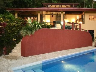 Casa Toucan, Secluded Jungle Setting with Ocean View & 40 foot Pool