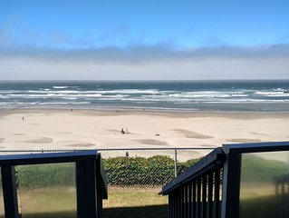 Sands Lookout at Nye Beach - Beach front,Easy access condo with great ocean view