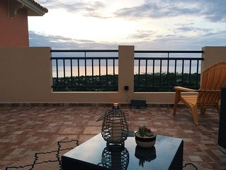 Family- friendly penthouse in Aguadilla! Close to beaches and restaurants.
