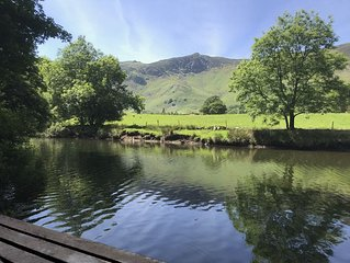 Best Positioned Cottage In Borrowdale -Beautiful Gardens -luxury furnished.