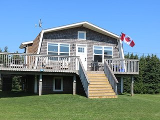 Thunder Cove Beach Retreat - 5 min. walk to beach - AC, dishwasher & WIFI