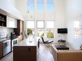 Fabulous Penthouse Loft in ❤︎ of Victoria