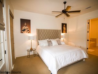 Upscale 3 Bedroom Condo Easy Walk To Campus And Square