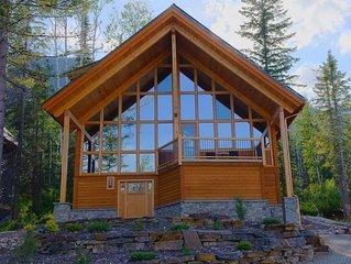 Kicking Horse ski Chalet Great views,2 wood fires, hot tub, sauna, heated floor