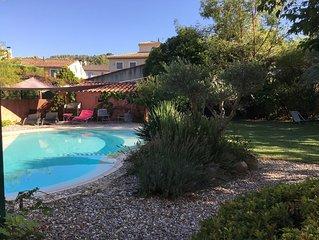Villa familliale 240 m2 avec piscine, 5 chbres, entre Aix en Provence et Luberon