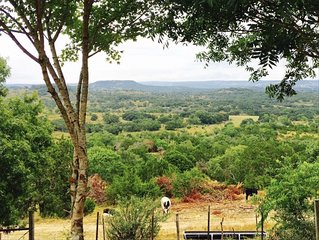 Heavenly Views, Central Location, Secluded and Peaceful.