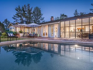 Private Sonoma Estate with Pool & Tennis, Walk to Wine Tasting