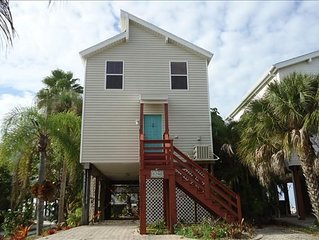 Spectacular Beach Cottage, Pet Friendly, Gulf Views, Great for Families