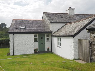 Beautiful Cottage with Private Garden and access to open moorland