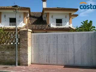 Luxury Family Villa at 50m from Natural Park with dunes & beach 300 m.