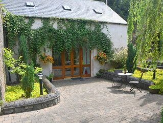 Beautifully Restored Coach House In Woodlands Overlooking The Suir Estuary