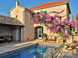 19th century Dalmatian villa with swimmingpool, luxury&peaceful, close to beach