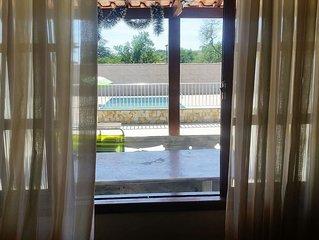 Ampla, arejada e confortável casa em Saquarema. Paz, harmonia e felicidade.