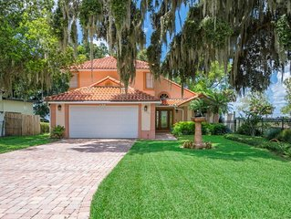Beautifully furnished waterfront paradise only minutes from Orlando attractions!