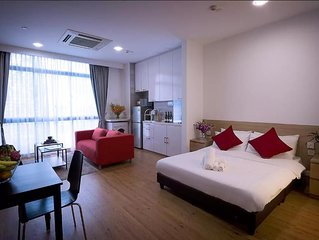service apartment in town near subway16