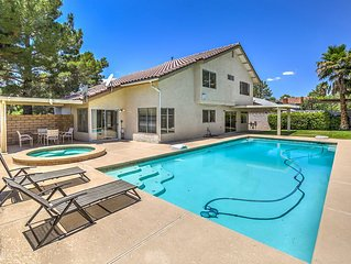 Beautiful Home With Pool & Jacuzzi close to the Strip