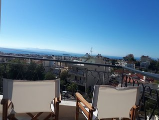 Sea view,big and comfortable appartment in Voula