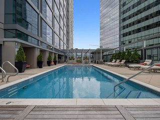 Central Flat + Pool + Gym (PH)