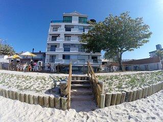 Na Praia, de Frente pro Mar  -  Apartamento 4 Pessoas  -  WiFi Free e  Ar Cond.