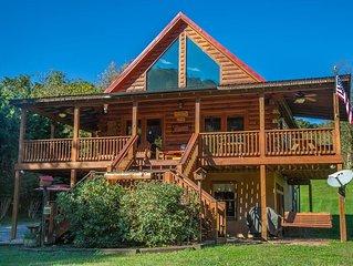 Gorgeous Waterfront Lodge on New River - Anisidi Lodge - Sleeps 8