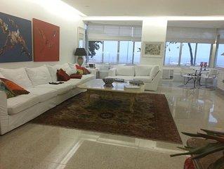 New Copacabana Front Beach. 230 metros. 4 quartos. Ate 8 hospedes.