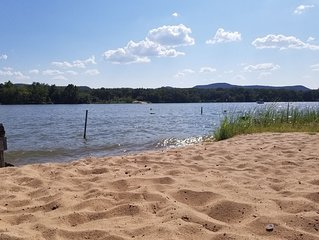 PEACEFUL and RELAXING -LBJ Lake House Getaway -with SANDY BEACH-new furnishings!