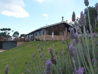 Casa na Montanha Excelente vista com Piscina Aquecida