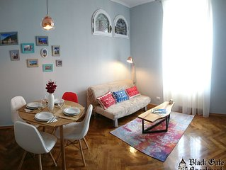 Equipped 2 Bedroom Home in Old Center + Free Parking + 1GB Fiber Optic Internet