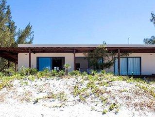 Maison moderne à Praia Grande  à Arraial do Cabo. Des vues spectaculaires!