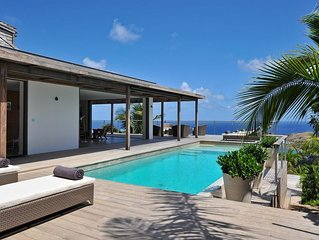 Hilltop Villa, Heated Swimming Pool, Ocean Views, TV Room, Modern Kitchen, Free