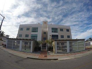 Aluguel de apartamento por temporada proximo a praia da Vila. Com Ar e WiFi.