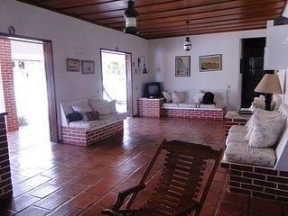 Excelente casa de praia, piscina, churrasqueira,  a apenas 150m da Lagoa