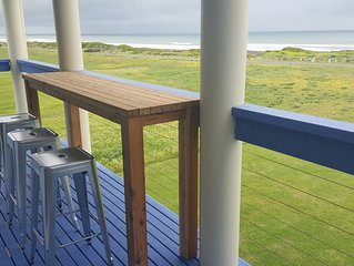 BLUE SEAS  Absolute Beach Front - Panoramic views and easy access to beach!
