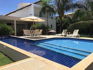 Belissima Casa de Veraneio Com 4 Suites Condominio Com Acesso a Praia.