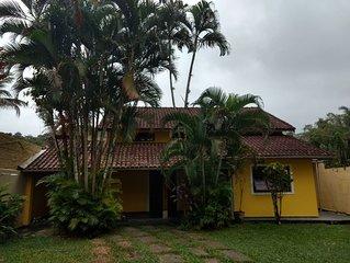 Casa em Boiçucanga, acomoda bem 12 pessoas.