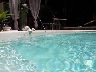Magnífica casa com 3 suítes,piscina com hidro,04 wcs,SKY,Wifi,Netflix e paz...