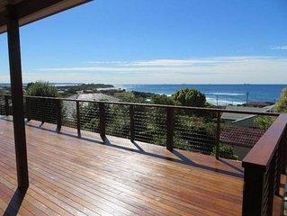Top Deck Caves Beach - Stunning views, walk beach,