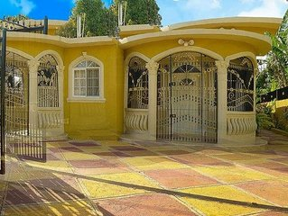 2 Miles from the Beach ~ Close to Everything ~ Enjoy all of Negril Beach