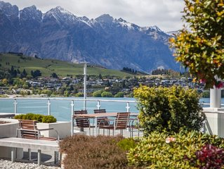 'Longdrive' Mountain  and Lake Views Apartment Queenstown