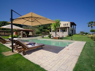 Four-Bedroom Villa with a Pool, 400m from the Beach!