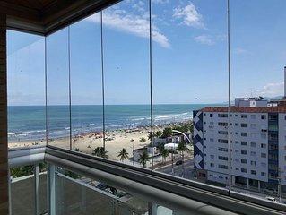 Apto com vista para o mar, a 12 m da areia - 2 quartos e 2 banheiros p/8 pessoas