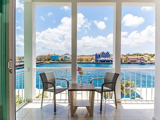 Luxurious Yacht View Apt w/ Balcony at Famous Handelskade