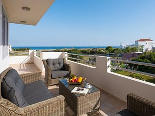 Sea Spirit Apartment ~ 50 Meters From The Beach ~ Accommodates 6 People