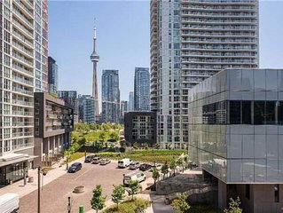 3BR Condo with CN Tower View