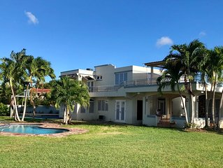 Luquillo Beach- Puerto Rico, 4 Bedroom Vacation Villa with Pool and WiFi