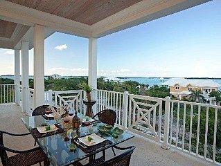 Luxury Home in Feb. Pt. with dip pool, spectacular ocean views, steps to beach