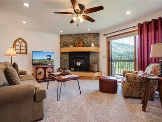 RA305 by Mountain Resorts: *Minutes away from Winter Activities*Pool & Hot Tub O