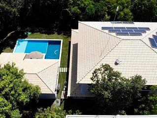 Casa 5 suites com piscina e mata atlantica